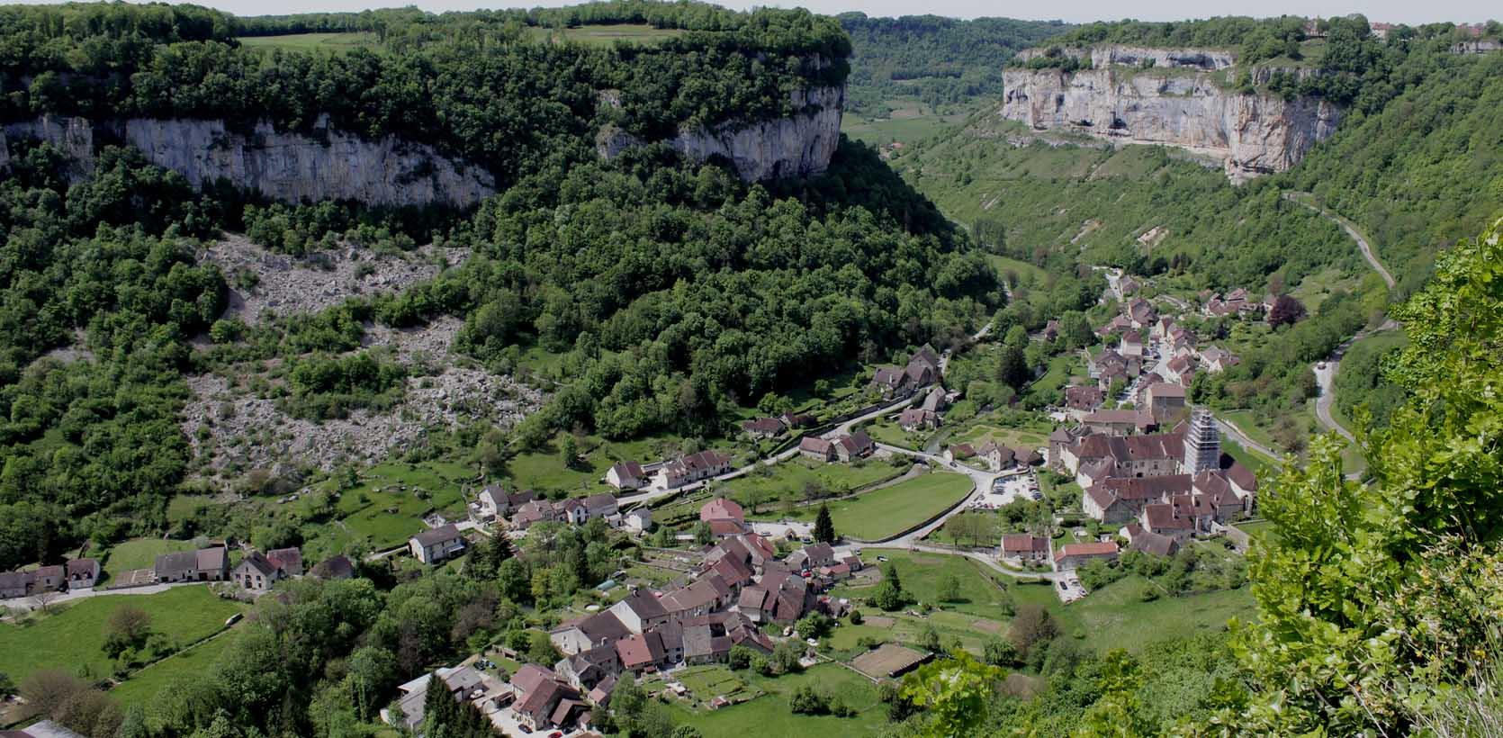 Séjour idéal, abbaye, grottes, cascades