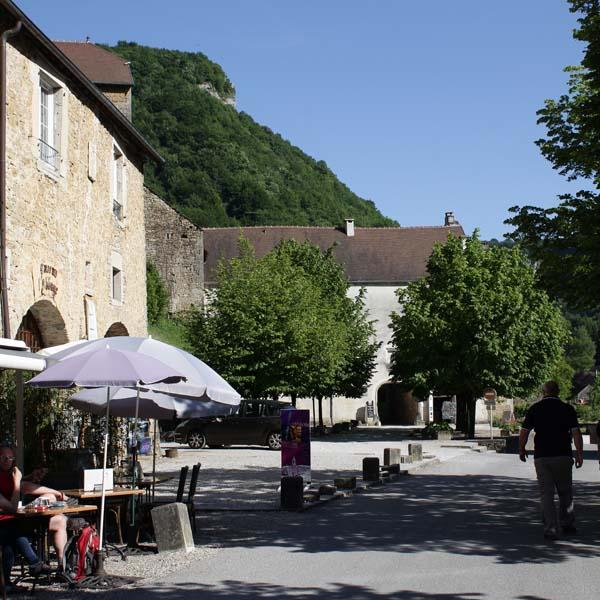 Restaurants, cafés, librairie et des boutiques