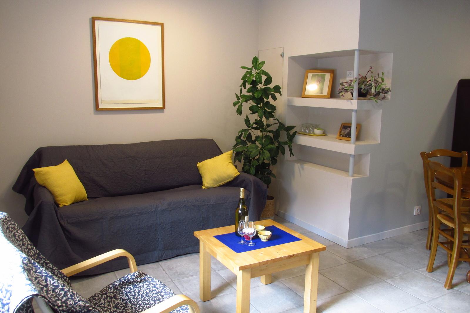 Salon avec canape-lit
